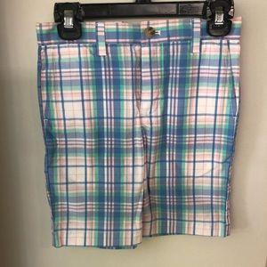 Vineyard Vines boys size 5 dress shorts
